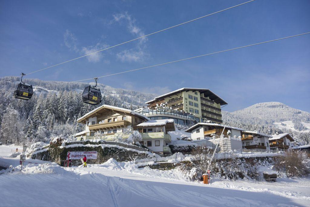 Außenansicht vom Hotel Waldfriede im Winter (Hotel Waldfriede)