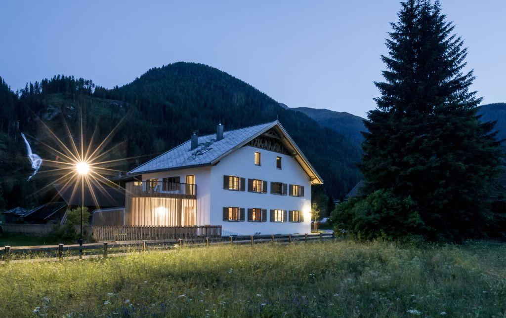 Außenansicht Zollhaus im Sommer mit Umgebung (Alpengasthof Zollwirt)