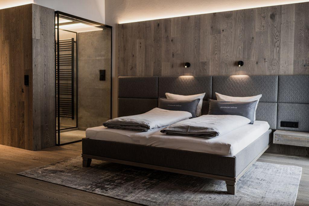 Bergbalance Family Suite mit Panoramadusche (c) Aileen Melucci (Wellnesshotel Walserhof - Kleinwalsertal Hotels)