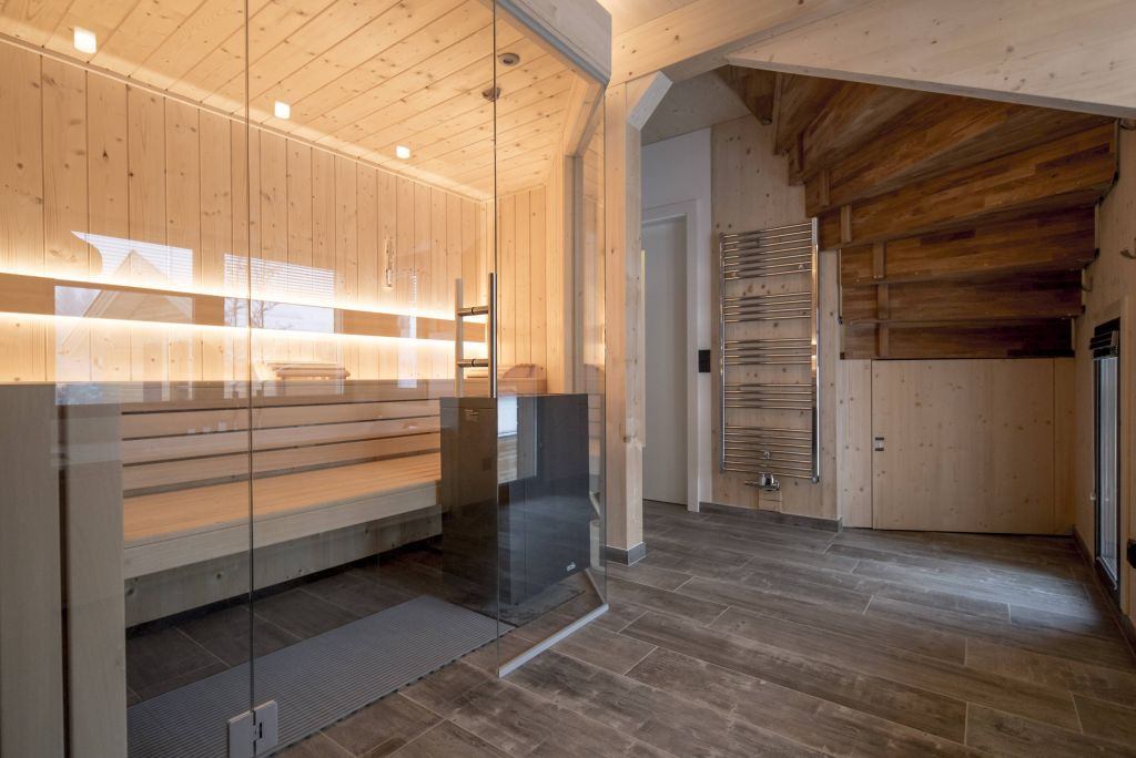 Chalets mit Private Spa (c) Tom Lamm (Alps Residence)