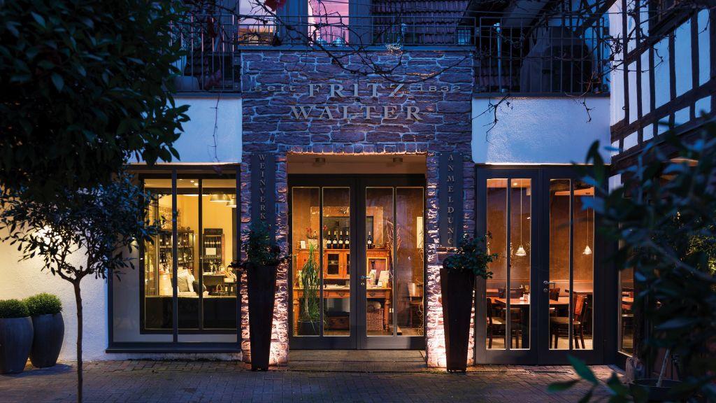 Eingang zum Weingut Fritz Walter (c) Klaus Lorke No Limit Fotodesign (winzerhotels)