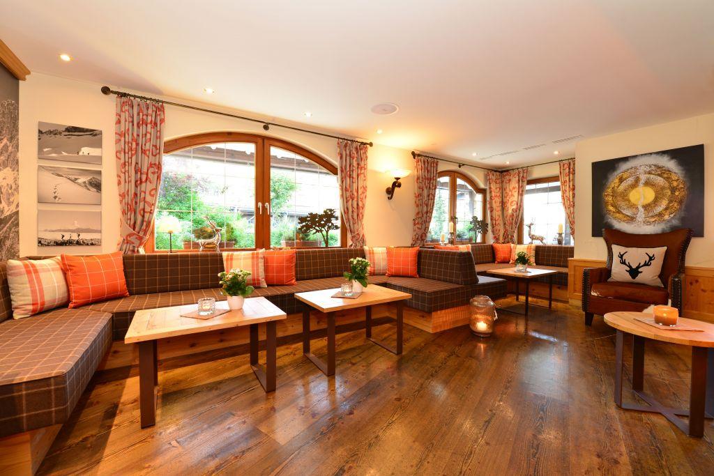 Gemütliche Sitzgelegenheiten (c) Sascha Duffn (Hotel Jagdhof)