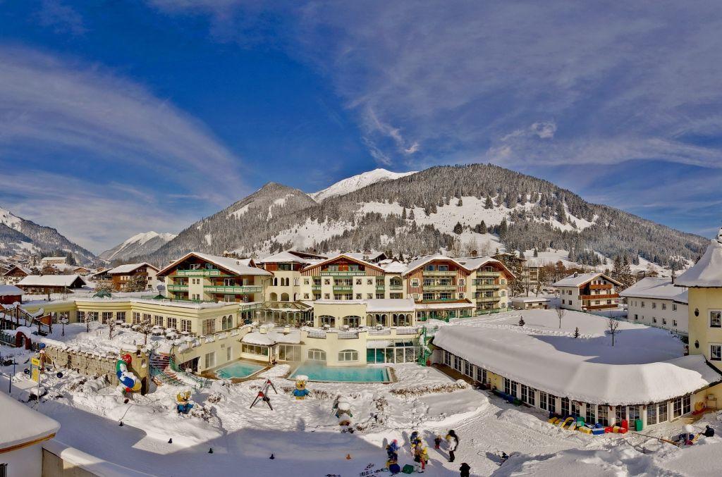 Hotelansicht Winter Alpenrose