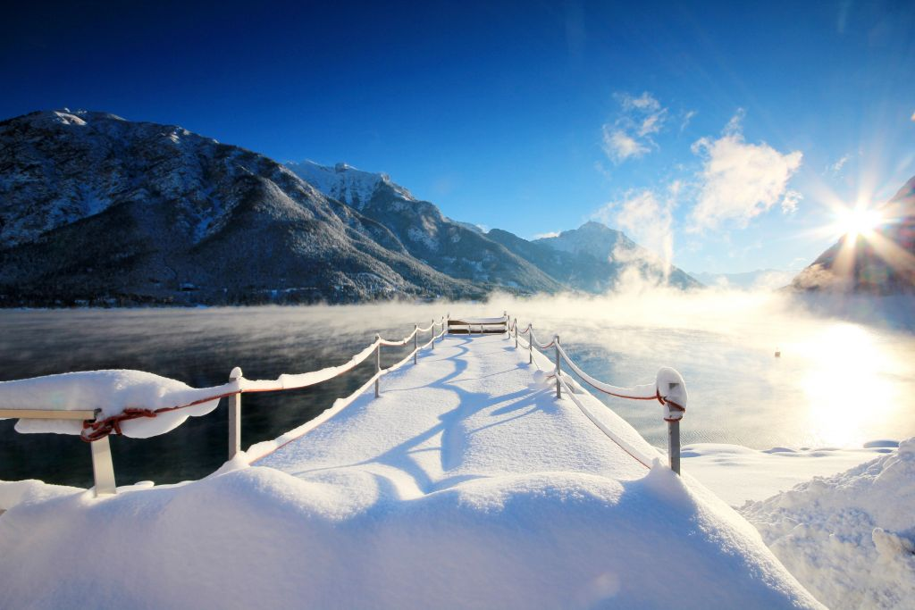 Hotelsteg im Winter (Hotel Post am See)