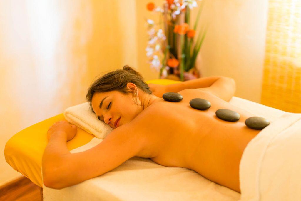 Hotstone Massage (Hotel Concordia)