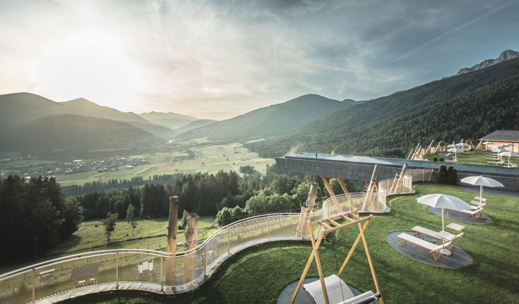 Hubertus Park mit Skypool und traumhafter Aussicht (Alpin Panorama Hotel Hubertus)
