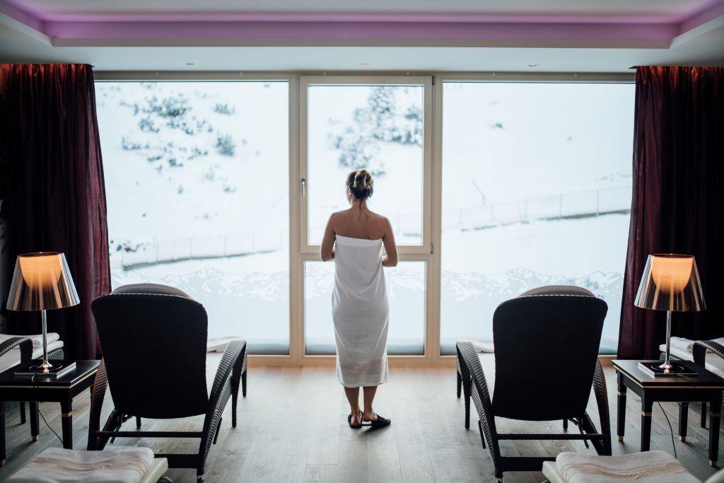 Liegestühle mit Ausblick (c) Patrick Langwallner (Hotel Zürserhof)