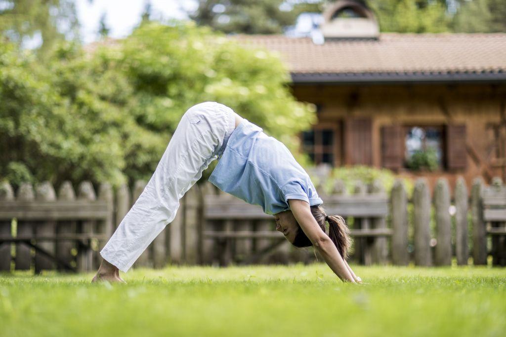Meditieren im Freien (Hotel Tann)