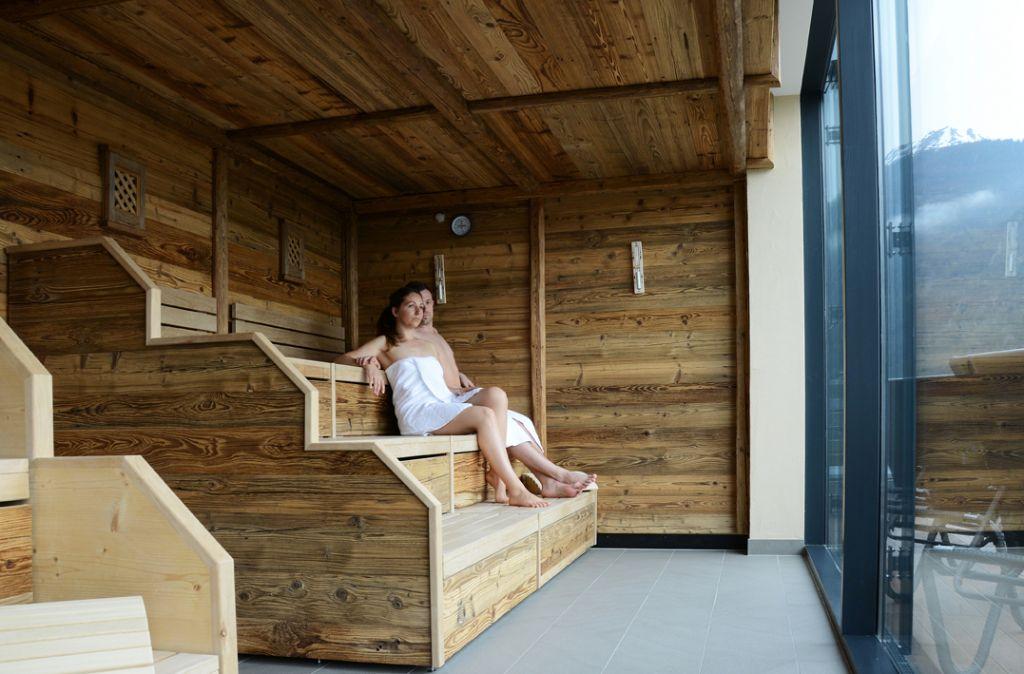 Pärchen in Sauna Zugspitzblick (MyTirol)