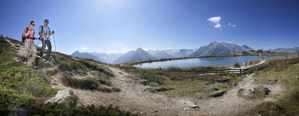 Panorama am Penkenjoch im Urlaubsgebiet Tux Finkenberg