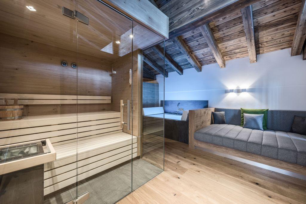 Private Spa der Wolke 7 Suite (c) Peter Kuehnl (PURADIES Hotel & Chalets)
