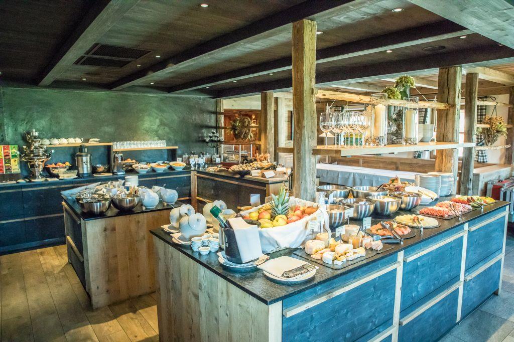 Reichhaltiges Frühstücksbuffet (Tirler-Dolomites Living Hotel)