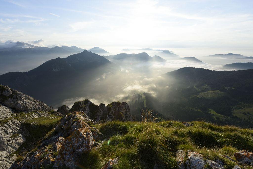 Sonnenaufgang über den Bergen (Hotel Bergblick)