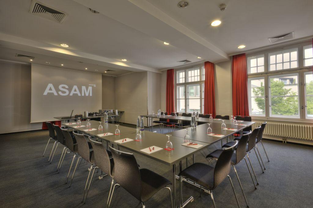 Tagungsraum Georg mit Terrasse und modernster Technikausstattung (Hotel Asam)