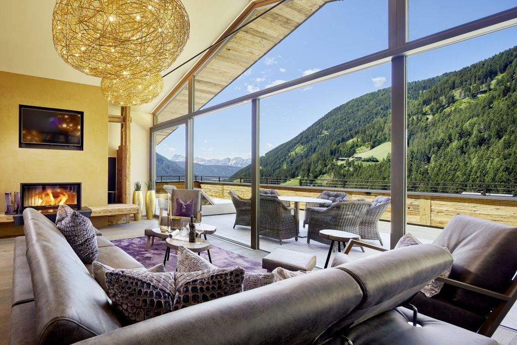 Wohnbereich im Penthouse des Chalet Salena (c) Michael Huber (Hotel Quelle Nature Spa Resort)