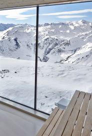 Sauna der Kristallhütte mit Bergblick im Winter
