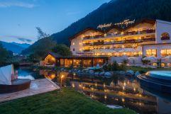 Alphotel Tyrol abends (Alphotel Tyrol)