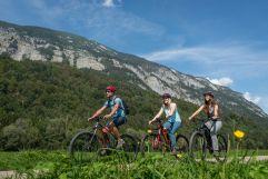 Am Innradweg Richtung Schwaz (c) Angélica Morales (Silberregion Karwendel)