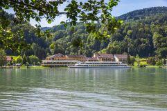 Ansicht des Riverresorts Donauschlinge im Sommer (c) PHOTO-GRAPHICS Hillinger-Perfahl OG (Riverresort Donauschlinge)