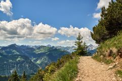 Atemberaubender Ausblick von den Bergen (Hotel Bergblick)
