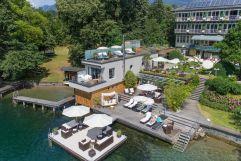 Ausblick auf das Bootshaus mit Terrasse (KOLLERs Hotel)