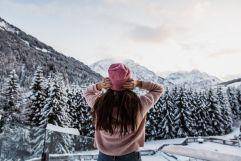 Ausblick auf die verschneite Waldlandschaft (c) Aileen Melucci (Wellnesshotel Walserhof - Kleinwalsertal Hotels)