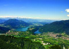 Ausblick auf Lago di Caldonazzo (links) und Lago di Levico (rechts) (c) APT Valsugana (TVB Valsugana Lagorai)