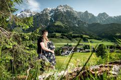 Ausblick vom Wald zum PURADIES (c) Peter Kuehnl (PURADIES Hotel & Chalets)