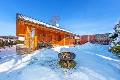 Aussenansicht des Chalets im Winter (Bayern Chalets)