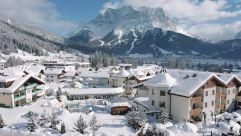 Außenansicht im Winter (Alpenrose - Familux Resort)