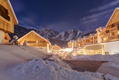 Außenansicht im Winter (c) www.360perspektiven.at (Leading Family Hotel & Resort Dachsteinkönig)