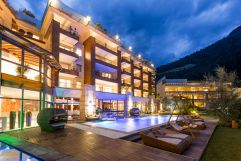 Aussenansicht vom Quellenhof-Resort