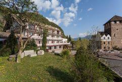 Aussenansicht im Schloss Hotel Korb