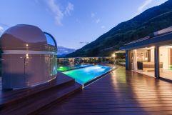 Außenpool Sky-Chalet (Sport und Wellness Resort Quellenhof)