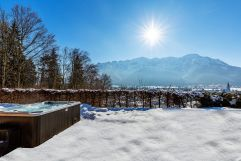 Aussenwhirlpool im Winter im Salzburg Chalet (c) Foto Stockklauser-Ruperti-Hotel GmbH & Co.KG