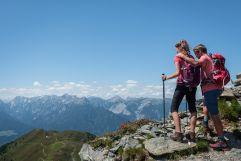 Aussicht auf die Berge vom Gipfelkreuz (c) Angélica Morales (Silberregion Karwendel)