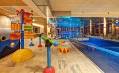 Badelandschaft für Kinder (c) www.360perspektiven.at (Leading Family Hotel & Resort Dachsteinkönig)