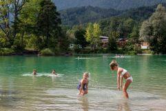 Badespaß am Badesee Weißlahn (c) Angélica Morales (Silberregion Karwendel)
