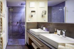 Badezimmer im Chalet No. 3 im Chalet Salena (c) Wellhotel (Hotel Quelle)