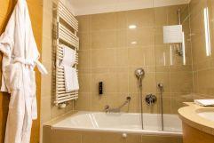 Badezimmer im Doppelzimmer (Hotel am Stephansplatz)