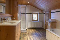 Badezimmer im Landhaus Bärenwald (c) Patrick Säly (Montafoner Hof)