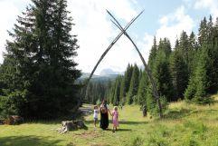 Barfuß zu den Schwefelquellen mit Hexe Curadina (Tirler- Dolomites Living Hotel)