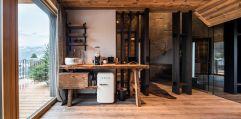 Baumhaus Minibar und zusätzliche Tee- und Kaffeeauswahl (Wanderhotel Gassner)