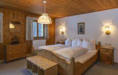 Behagliches Doppelzimmer im Landhaus Bärenwald (c) Patrick Säly (Montafoner Hof)