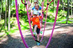 Beim klettern in der Kletterwelt_Kinderwelt (c) Rotwild (Olang)
