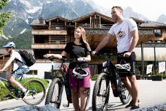 Bikeparadies im PURADIES (c) Peter Kuehnl (PURADIES Hotel & Chalets)