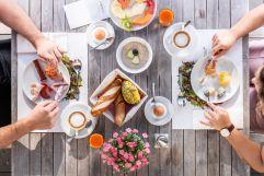 Bio Produkte aus der Region beim Frühstück (c) Peter Kuehnl (PURADIES Hotel & Chalets)