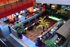 Blick auf die Bar und Lobby (MyTirol)
