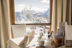 Blick in die Winterlandschaft beim Frühstück (Hotel Tann)