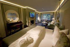 Bootshaus-Suite Wohnbereich (KOLLERs Hotel)
